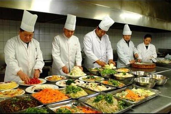 广东最好吃高职院校饭堂,排队排到天际,本校的学子幸福了!!